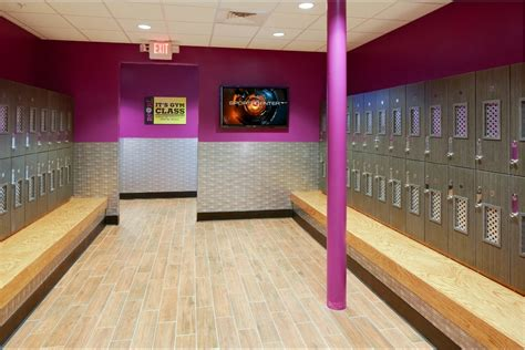 planet fitness locker room at get fit at planet fitness in south florida giveaway planetfitnessmia