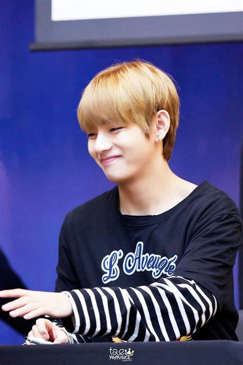 kim taehyung teenager v updates on twitter quot hq pic 170224 fansign 방탄소년단 뷔