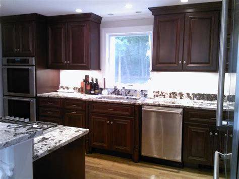 cherry mahogany kitchen cabinets mahogany stained cherry with delicartus granite kitchen