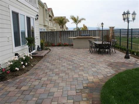 backyard patio pavers back yard concrete patio pavers