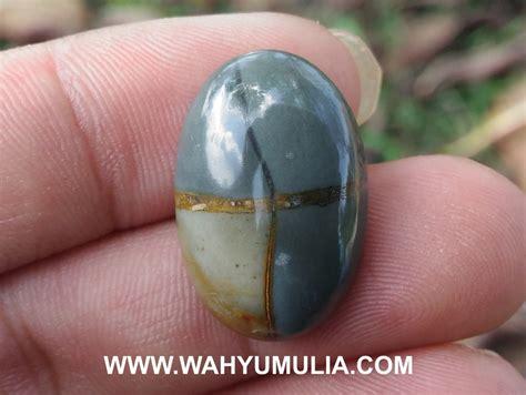 Batu Akik Hitam Disenter Hijau batu tapak jalak hitam coklat asli kode 518 wahyu mulia