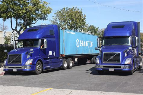 volvo group trucks technology caltrans volvo test truck platooning on busy los angeles