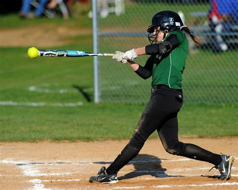 dunia pendidikan makalah sejarah softball  peraturan