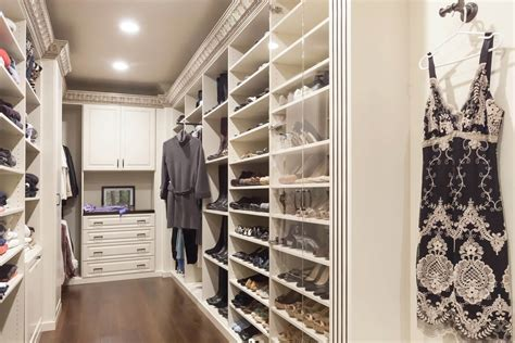Complete Closet Systems 67 Reach In And Walk In Bedroom Closet Storage Systems