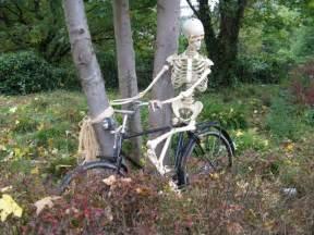 d 233 corer jardin avec un squelette 20 id 233 es