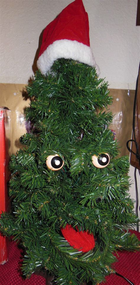 douglas fir singing tree gemmy douglas fir the talking tree 24 quot animated singing tree nib artificial trees