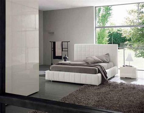 gul oymali sik yatak odasi hali modeli şık beyaz bazalı yatak modeli