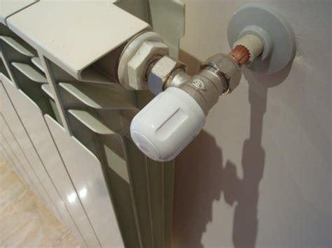 rubinetto termosifone sostituzione e montaggio di valvola e detentore