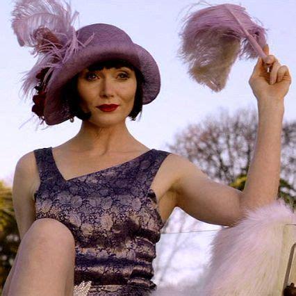 does essie davis wear a wig for miss fisher miss fisher murder mysteries season 1