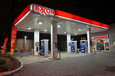 exxon mobil stock looking for income exxon mobil stock still delivers