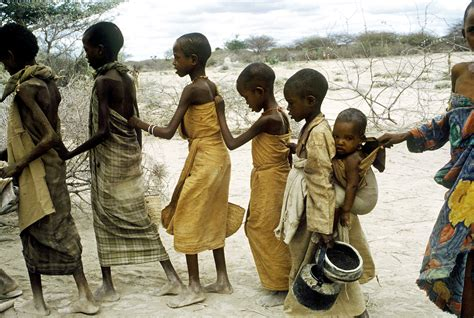 niños de somalia imagenes somalia no es la sequ 237 a es el imperialismo