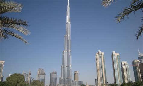 burj khalifa prezzi appartamenti dubai inquilini morosi lasciati a terra e al caldo dal
