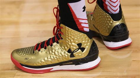 steph curry gold shoes armour isn t done with the steph curry one sole