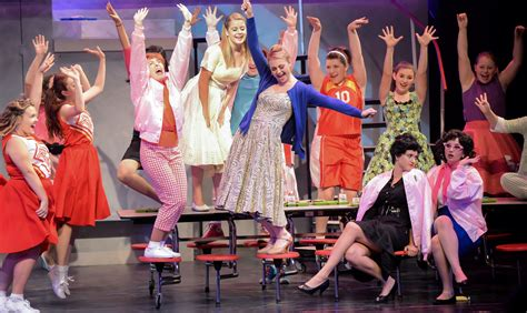 THEATER REVIEW: A traditional 'Grease' with youthful spirit