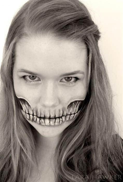 les body painting macabres de lara hawker peinture