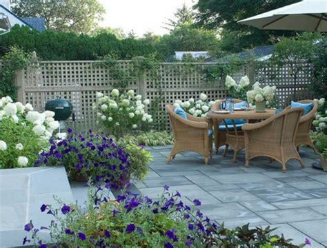 Fence Ideas For Patio by Attractive Patio Fence Ideas And Make Your Outdoor Space