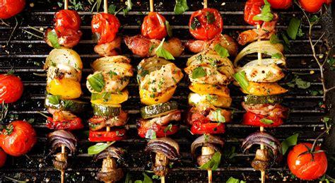 spiedini come cucinarli spiedini di carne tutti i metodi per cucinarli aia food