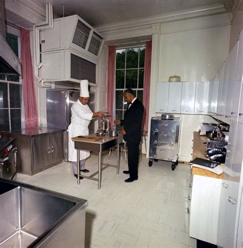 white house family kitchen white house chef ren 233 verdon in the family kitchen john