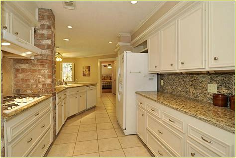 kitchen backsplash ideas with santa cecilia granite santa cecilia granite backsplash ideas milton