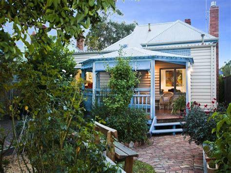 Formal Cottage Garden Ideas - australian native garden design using pavers with balcony amp fountain gardens photo 483912