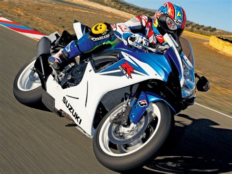 honda r600 suzuki gsx r600 2011 on review mcn