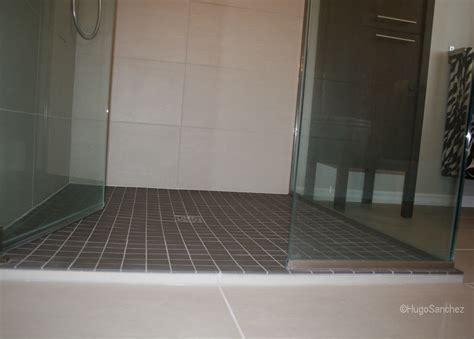 Shower base   Céramiques Hugo Sanchez Inc