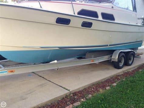 bayliner explorer boats bayliner 2670 explorer 1981 for sale for 11 500 boats