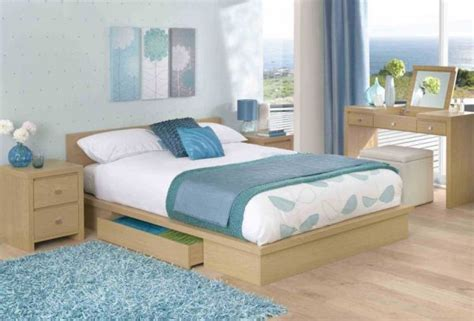 decoration chambre bleue adopter une d 233 co chambre qui n a pas peur des couleurs
