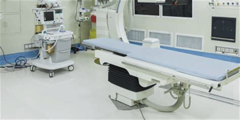 Cleaning Operating Rooms by Cleaning Operating Rooms Filmop
