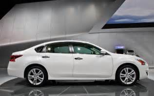 How Much Is A Nissan Altima 2013 2013 Nissan Altima Look Photo Gallery Motor Trend