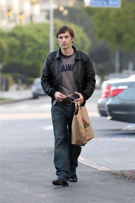 Halle Berry Has A New Dating Strategy by Olivier Martinez Photos Photos Olivier Martinez Leaving