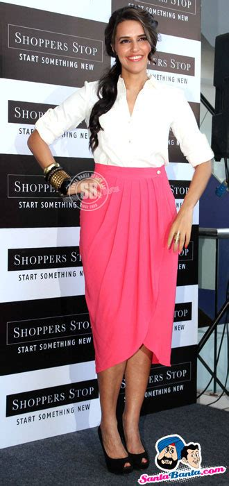 Shopper Stop Gift Card - shoppers stop gift card launch neha dhupia picture 188911