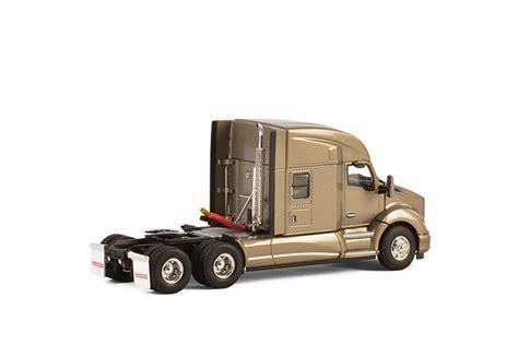 kenworth merchandise usa usa basic line kenworth t680 6x4 silver dijkhuis truckshop