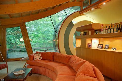 house  sings architect creates