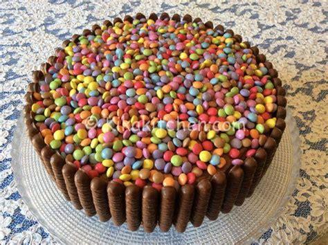 come bagnare una torta per bambini torta smarties e togo con crema alla nutella kikakitchen