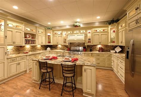 antiquing kitchen cabinets with glaze all home ideas and kitchen cabinets with antiquing glaze in classic kitchen
