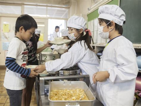 Top Mba Programs In Japan by Japan S School Lunch Program Is A Model For The Rest Of