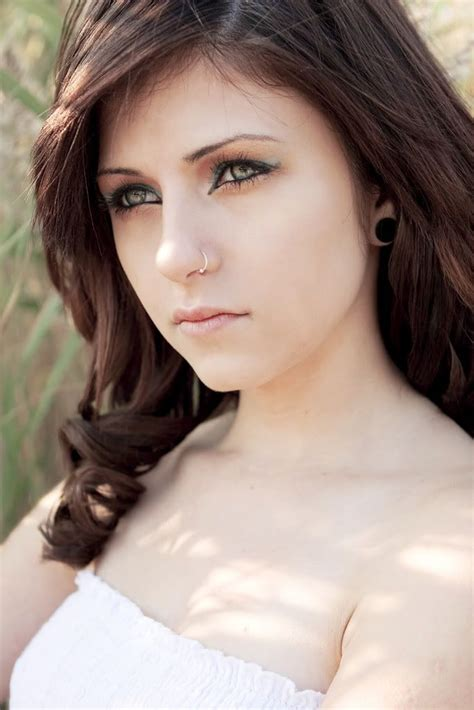 brunette hairstyles for pale skin brown hair pale skin weight 114 quot lbs women s fashion