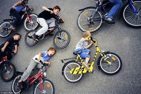 E T Bike Chase Scene by Jan Von Holleben Film Buff Recreates His Favourite Movie