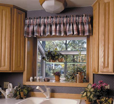 Garden kitchen windows, bay window above kitchen sink