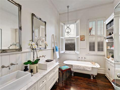 immagini bagno classico bagno classico lo stile anche in bagno casa it