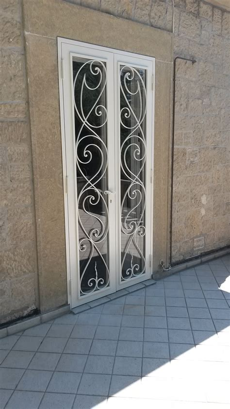 porte in ferro battuto e vetro porta di sicurezza in ferro e vetro con decori esclusivi