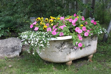 flowers in bathtub 25 ways to turn your old furniture into a fairytale