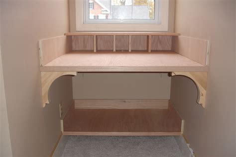 Built In Computer Desk Ideas The Yellow Cape Cod 31 Days Of Building Character Nooks