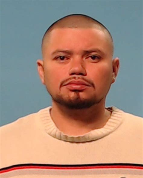 Arrest Records Tx Cristobal Escobar Inmate 360016 Brazoria County Near