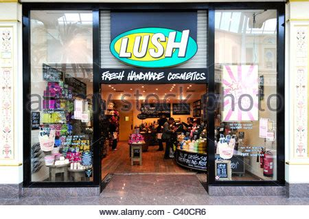 Handmade Cosmetics Business - shop front of fresh handmade cosmetics company lush in