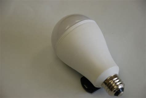 smart charge light bulb smartcharge lightbulb keeps the lights on when the power