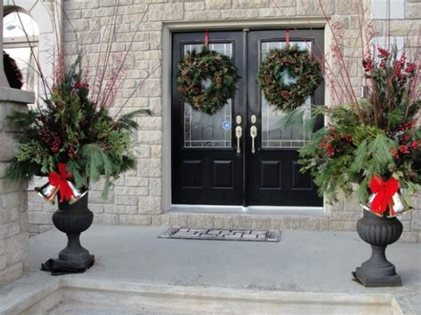 20 great christmas front door decorating ideas style