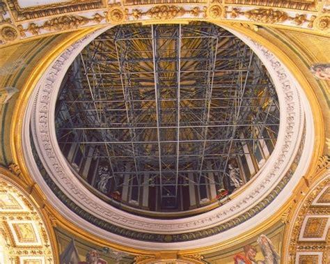 altezza cupola di san pietro sotto la cupola di san pietro