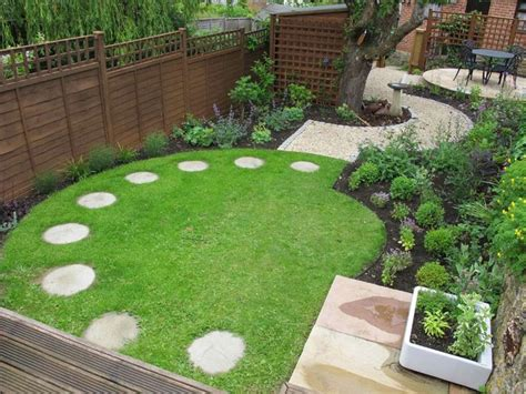 Small Square Garden Ideas Best 25 Garden Design Plans Ideas On Flower Garden Plans Garden Landscape Design
